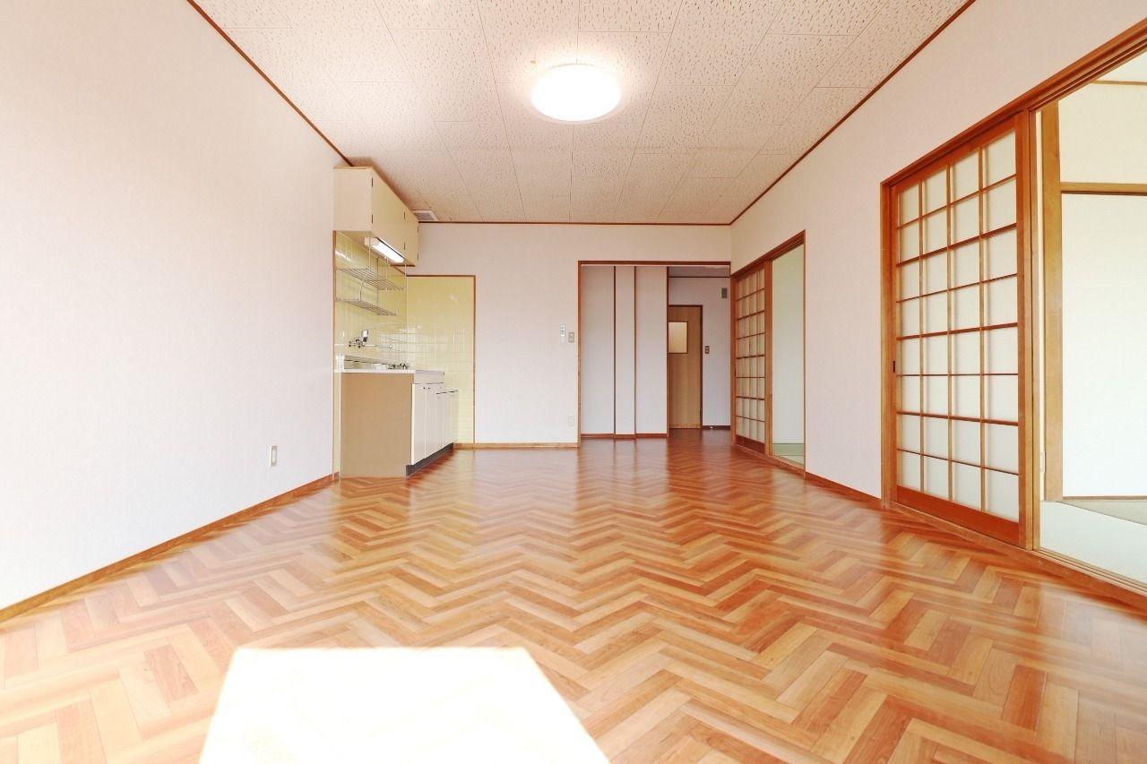 お部屋に広さがあると、どんな家具を置くか考えるのが楽しくなっちゃいますよね。個性溢れる一室にしていただきたいです。