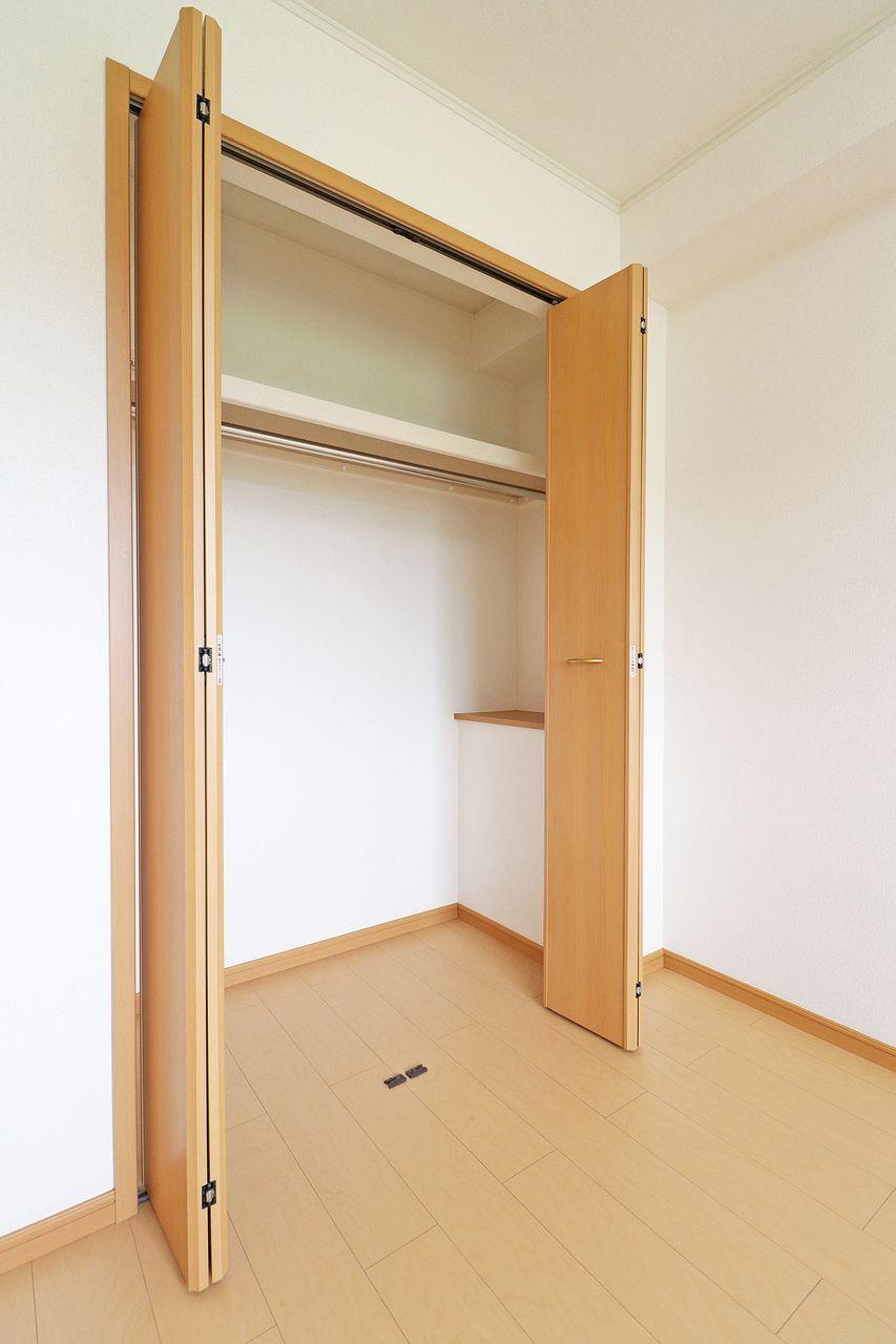 ニューユニゾンは各お部屋にしっかり収納が付いています。荷物が多いからあらかじめ収納多めな物件がいい・・というお客様も安心です。