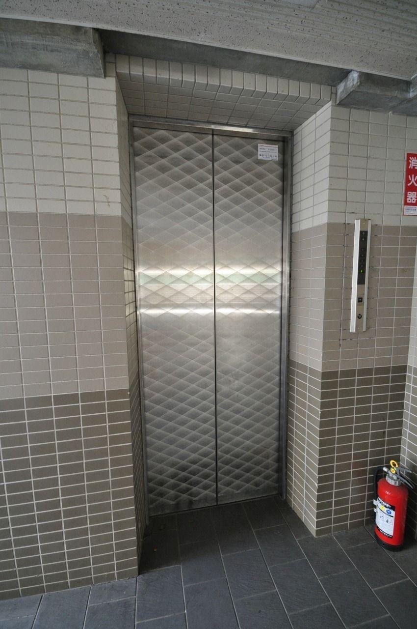 4階ですが、エレベーターがあるので小さいお子さんがいる方も諦めなくて大丈夫です!