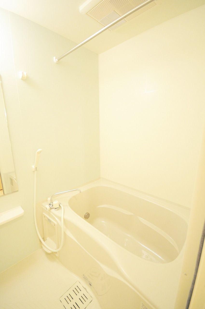 追炊き・浴室乾燥暖房機能付きのお風呂です。