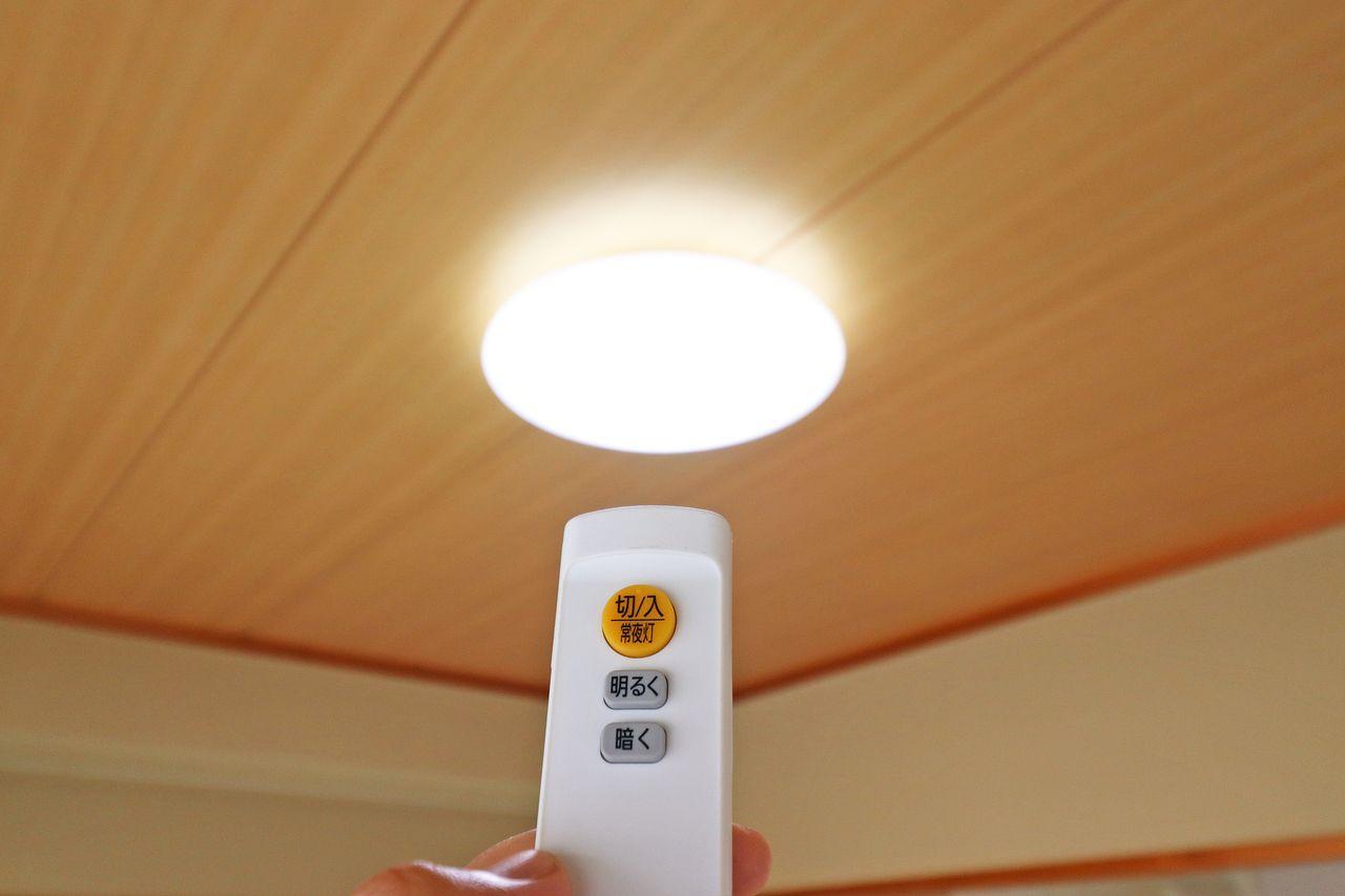 蛍光管の交換からさようなら!電気代は当然ですが、日々の消耗品費用(蛍光管)が無くなる分お得です。
