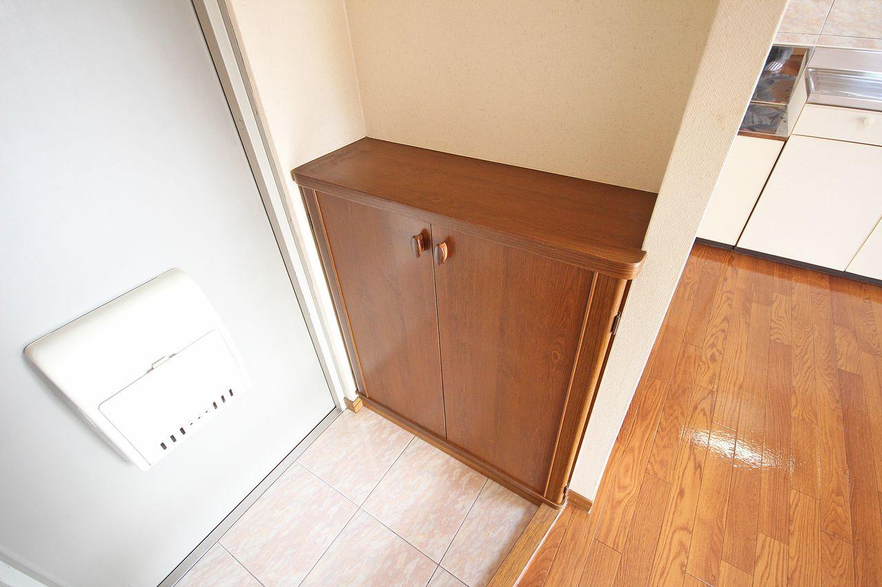 玄関周りはスッキリと!ご自身でご用意していただく必要はありません。