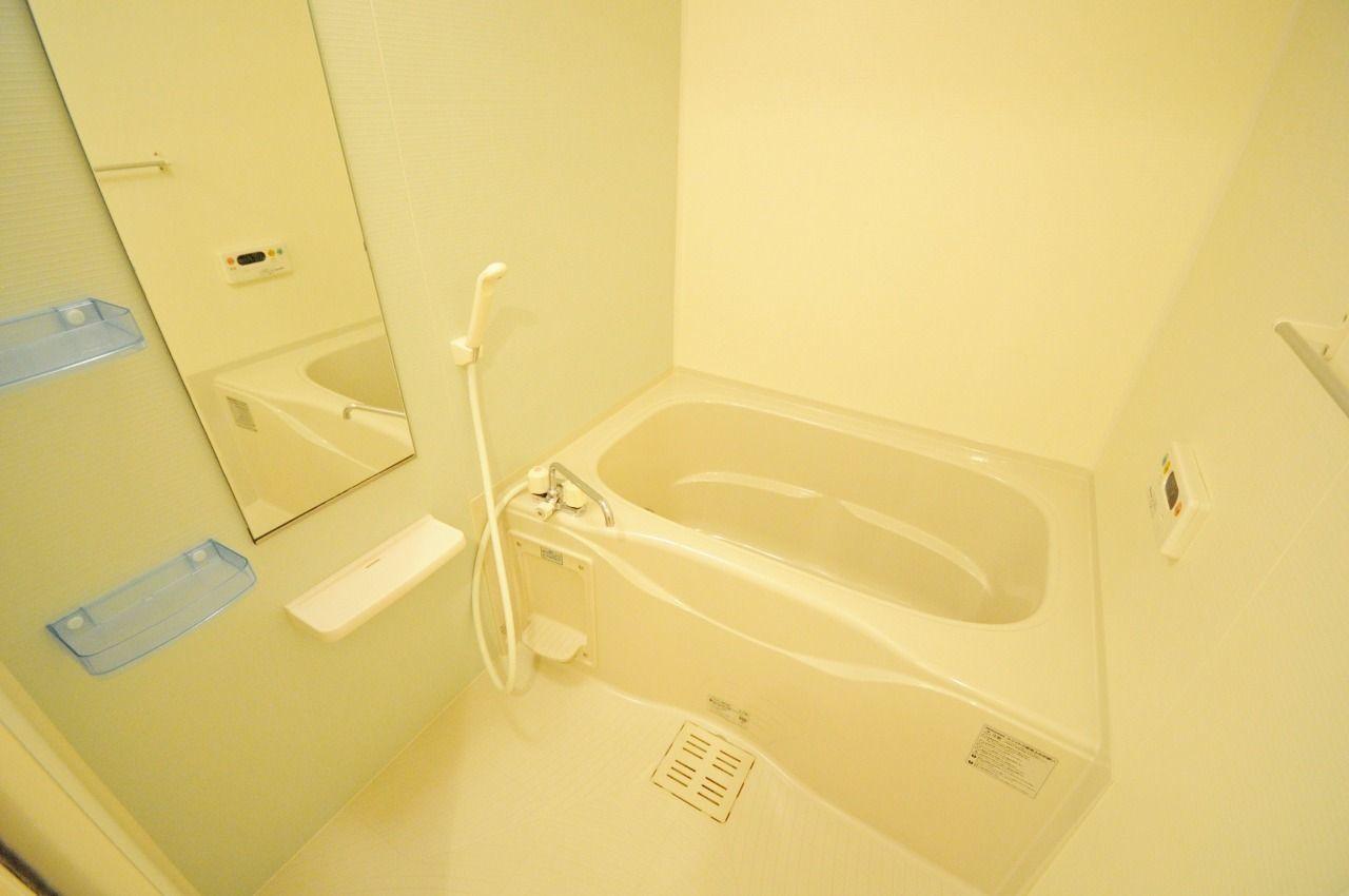 追焚・浴室乾燥機能付き。梅雨や花粉の季節には欠かせない設備なのでは?室内干しのいや~な臭いとはおさらばです。