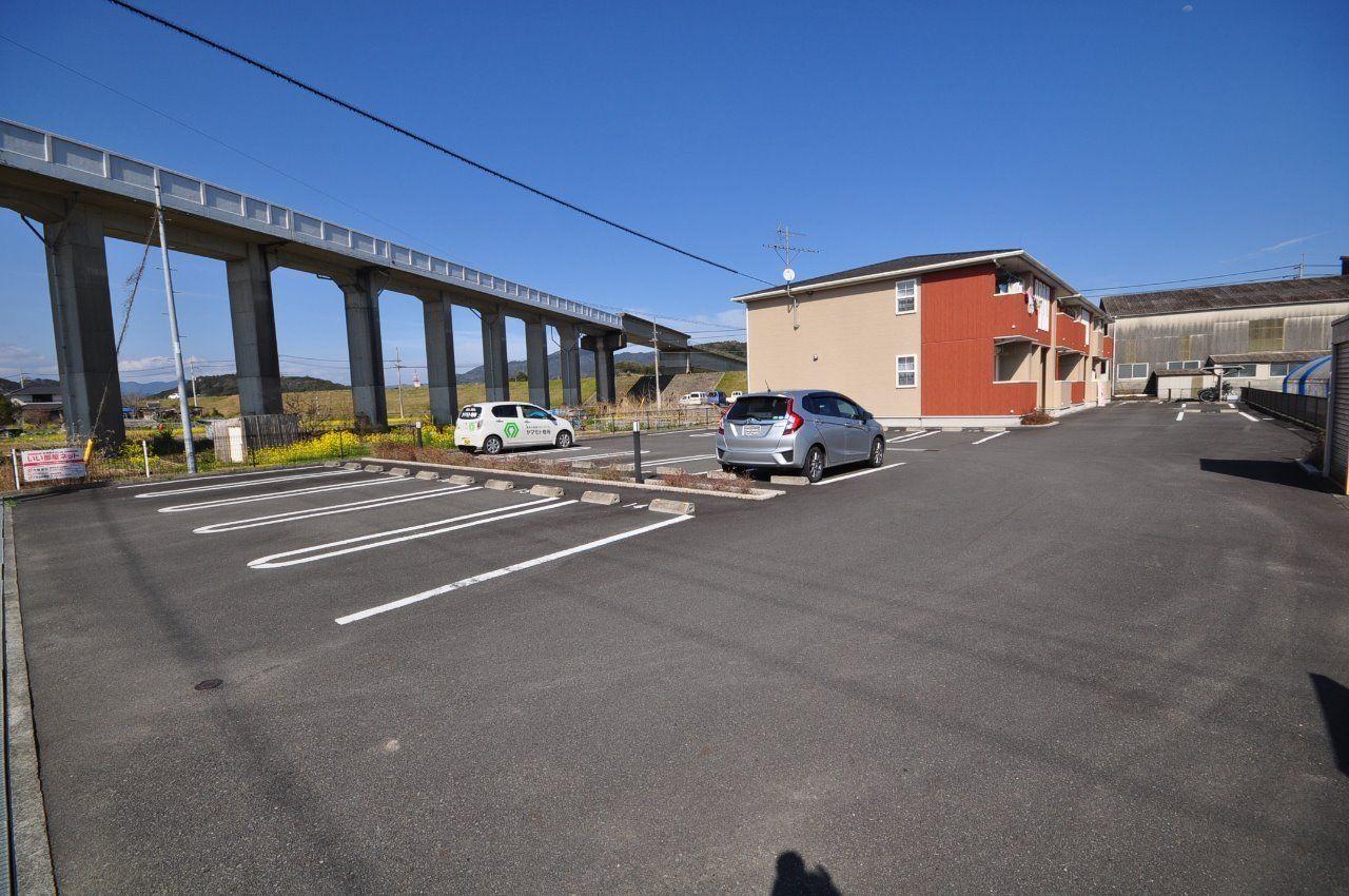 ヤマモト地所の西内 姫乃がご紹介する賃貸アパートのカーサ・エテルノB 203の外観の8枚目