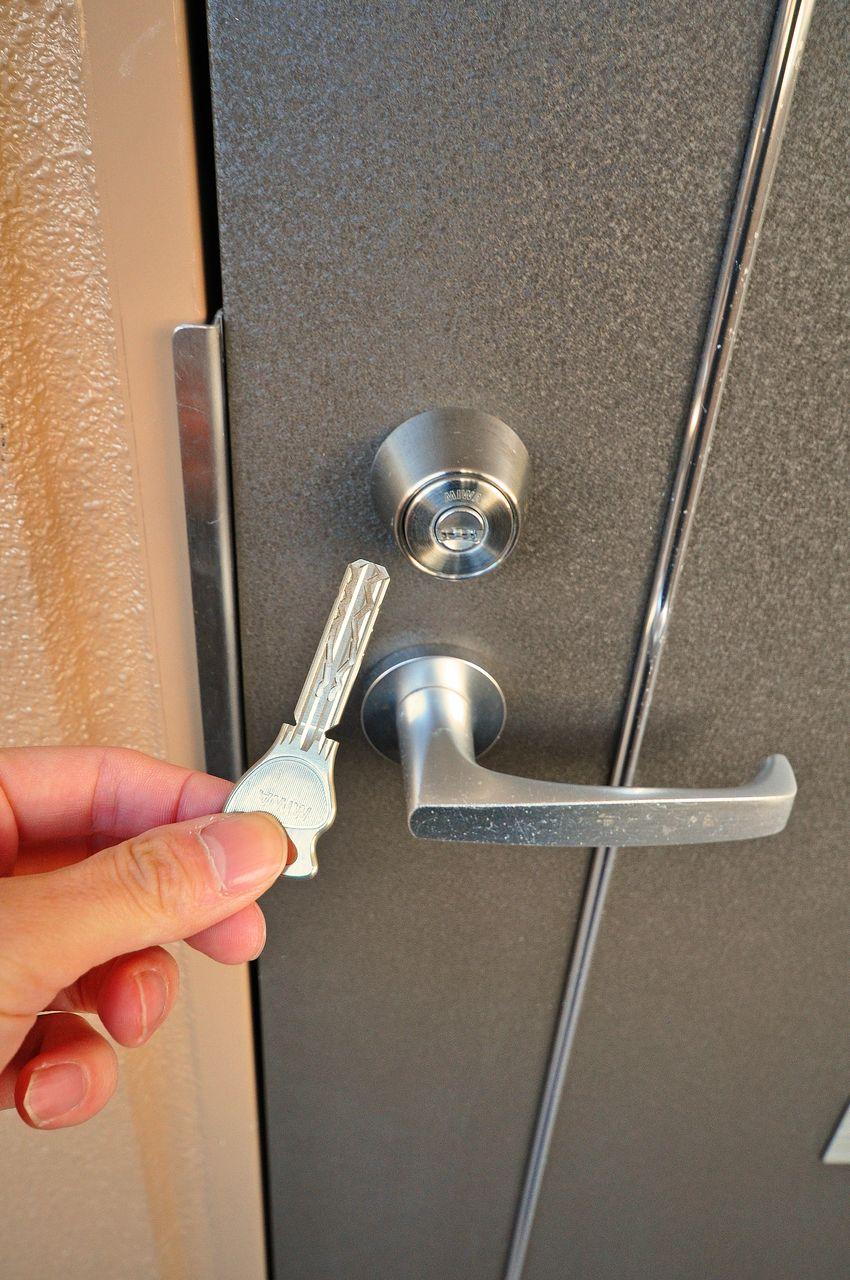 別名彫刻キーと呼ばれるウェーブキー。ピッキングに強く、簡単に合鍵を作製できないというメリットがあります。