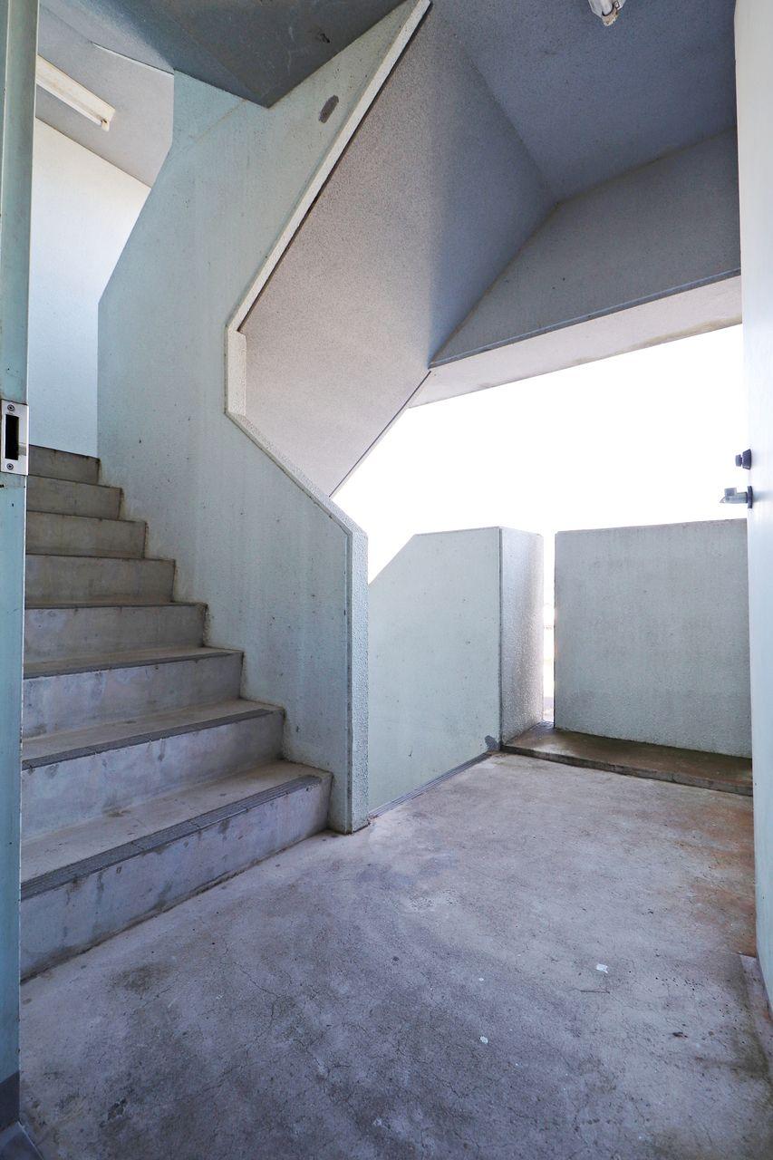 エルパレスの共用階段