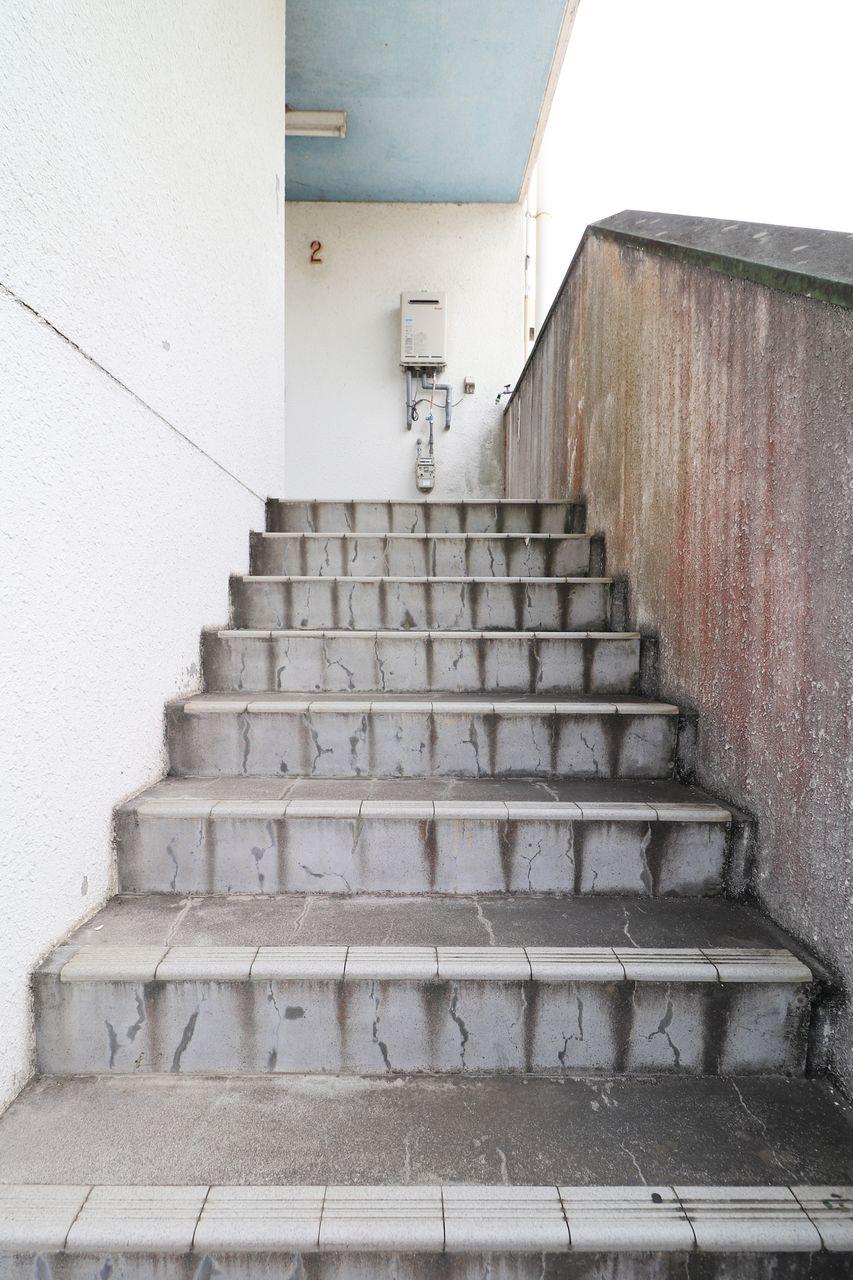 四万十市賃貸 レジデンス今城1号館 共用階段