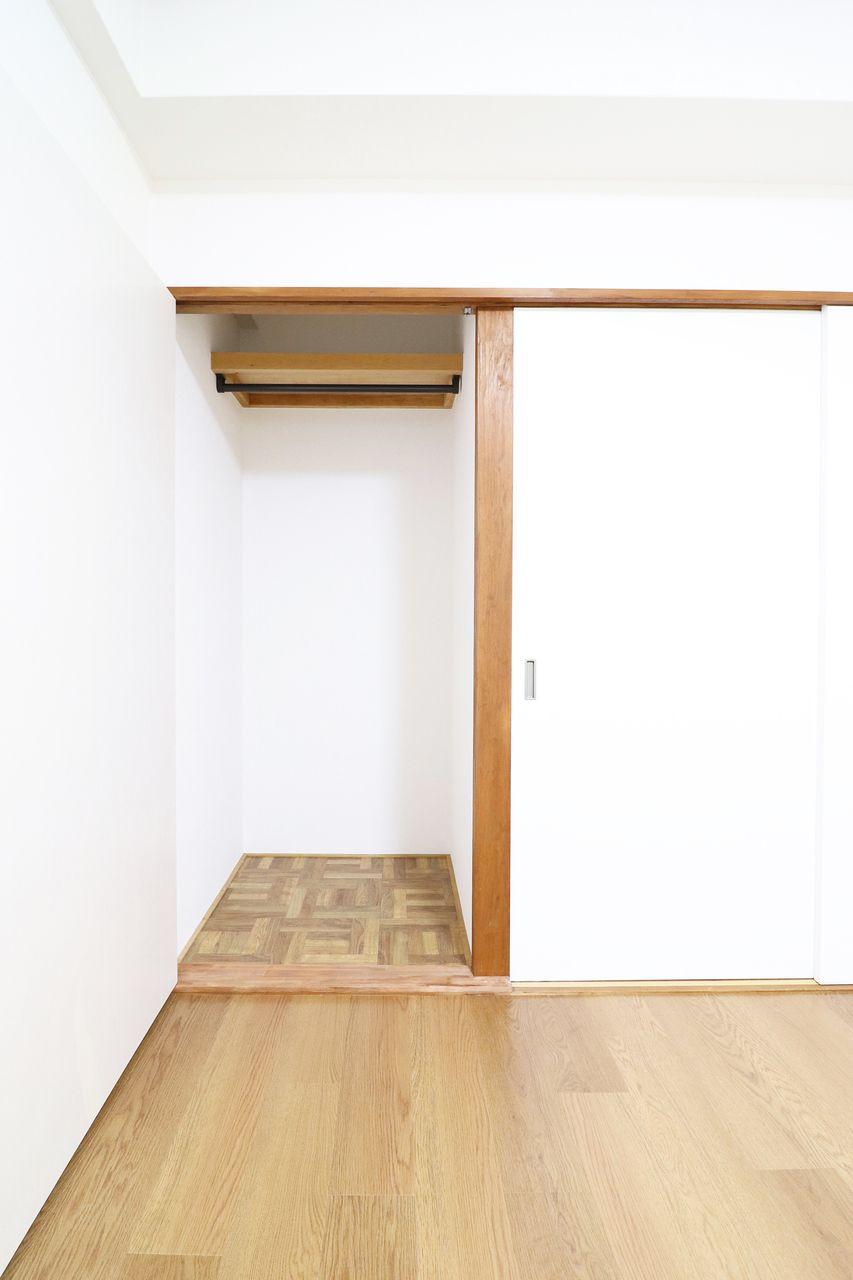 押入れを改装したクローゼットクローゼット コーポ四万十1号館502号室