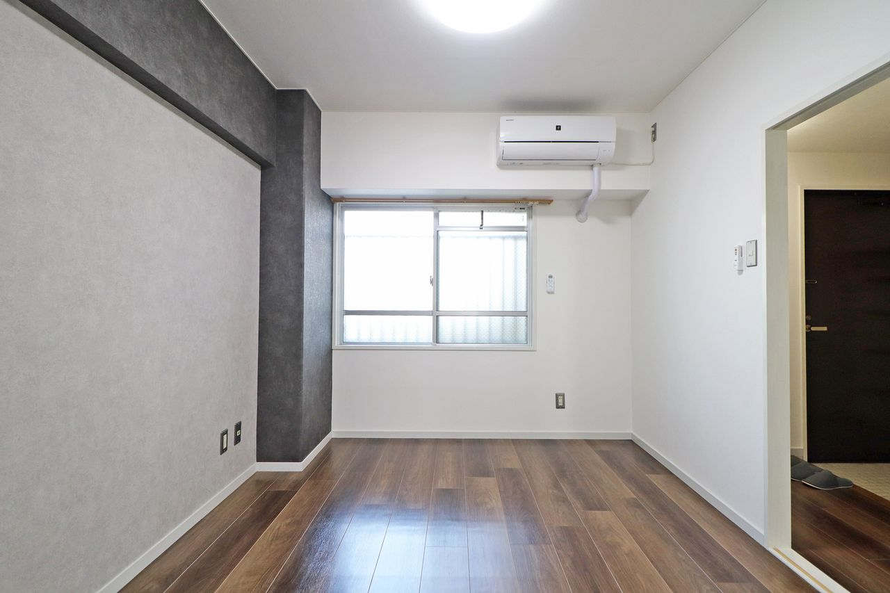コーポ四万十2号館102号室の北側洋室の画像です