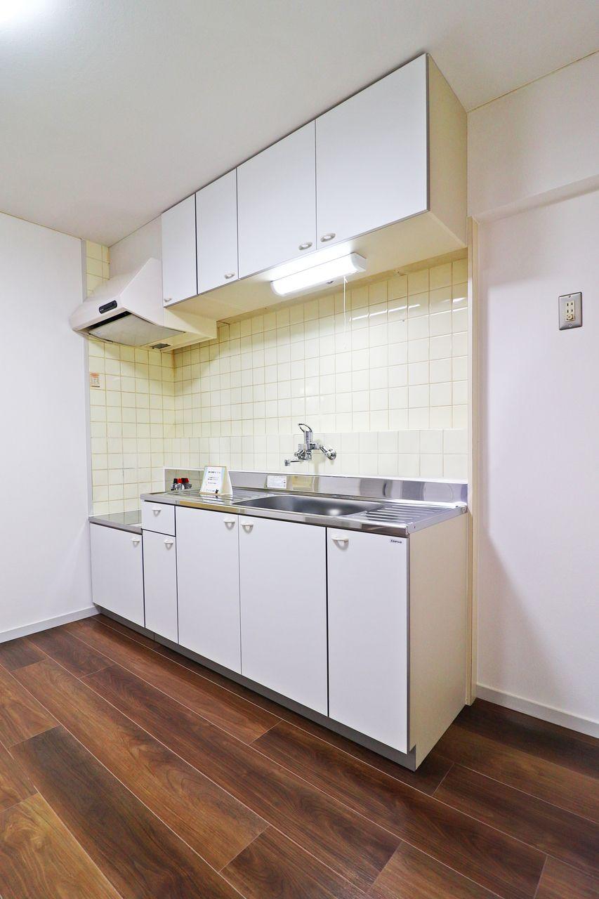 コーポ四万十2号館102号室のキッチンの画像です