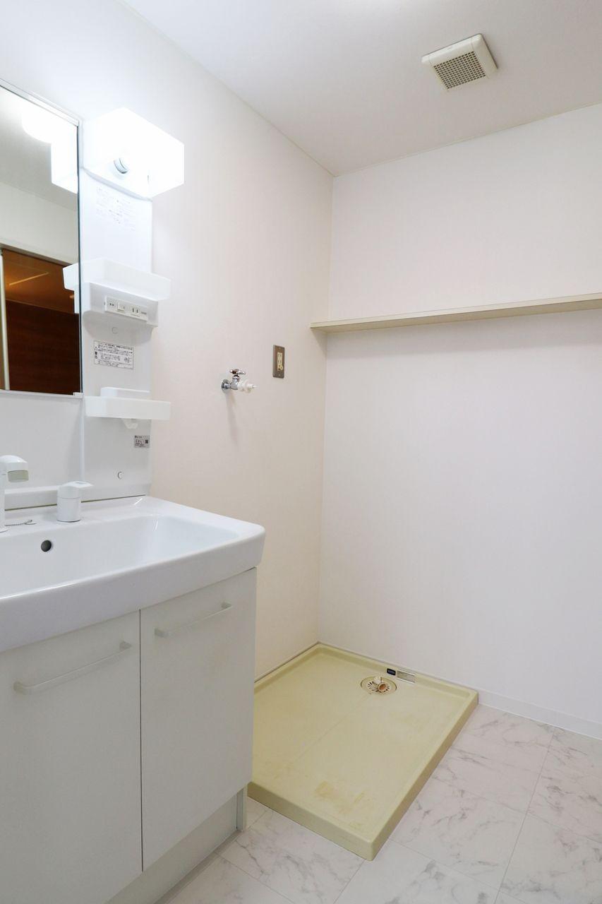 コーポ四万十2号館102号室の洗面脱衣所の画像です