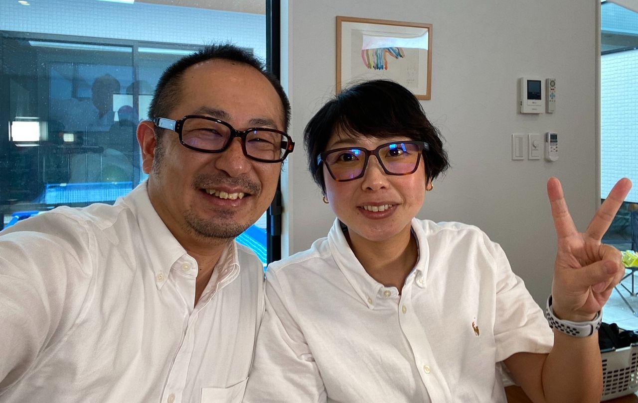 ヤマモト地所の社長と常務の写真