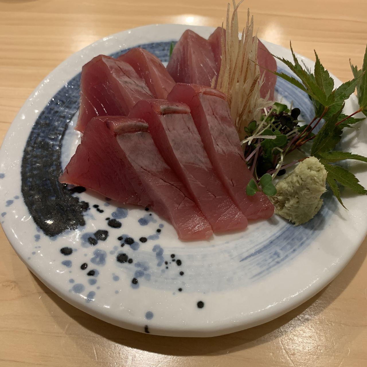 コの字サカバmihokiのお刺身ハガツオの写真