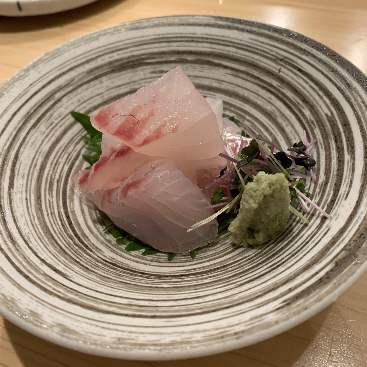 コの字サカバmihokiのお刺身の写真