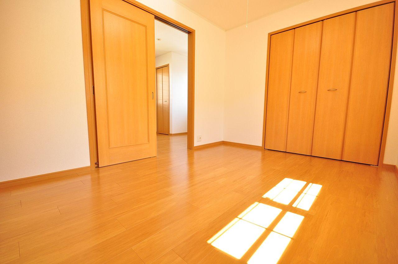南東側洋室6畳