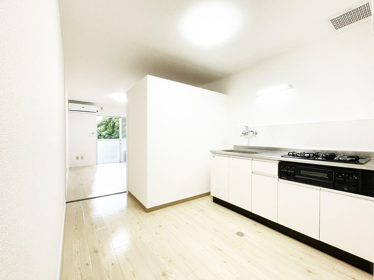 タイガーハイツ37号室のキッチンスペースの画像です
