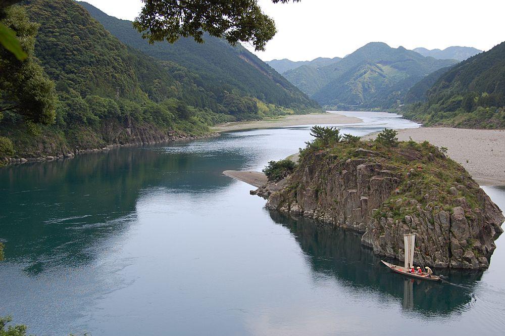 熊野川もとても綺麗な川です