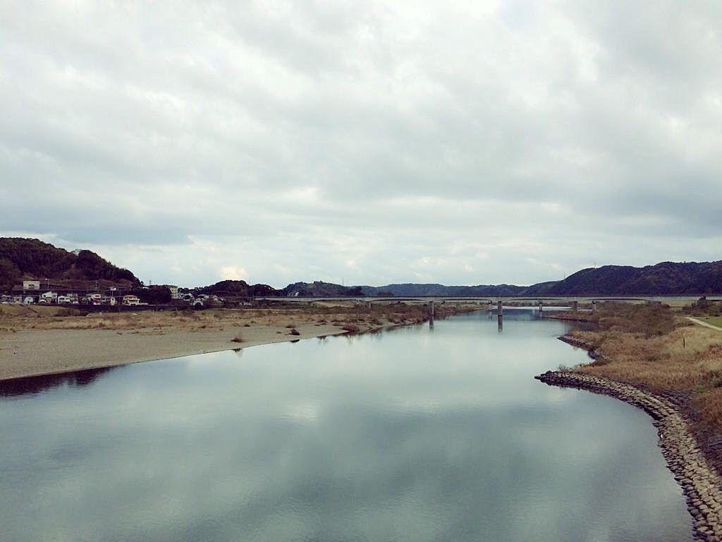 曇りでも綺麗な四万十川(赤鉄橋から撮影)