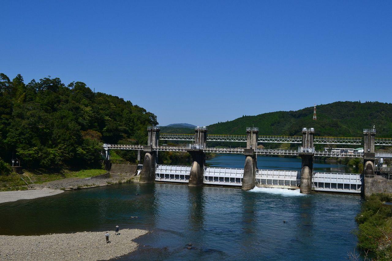 家地川堰堤(佐賀取水堰)