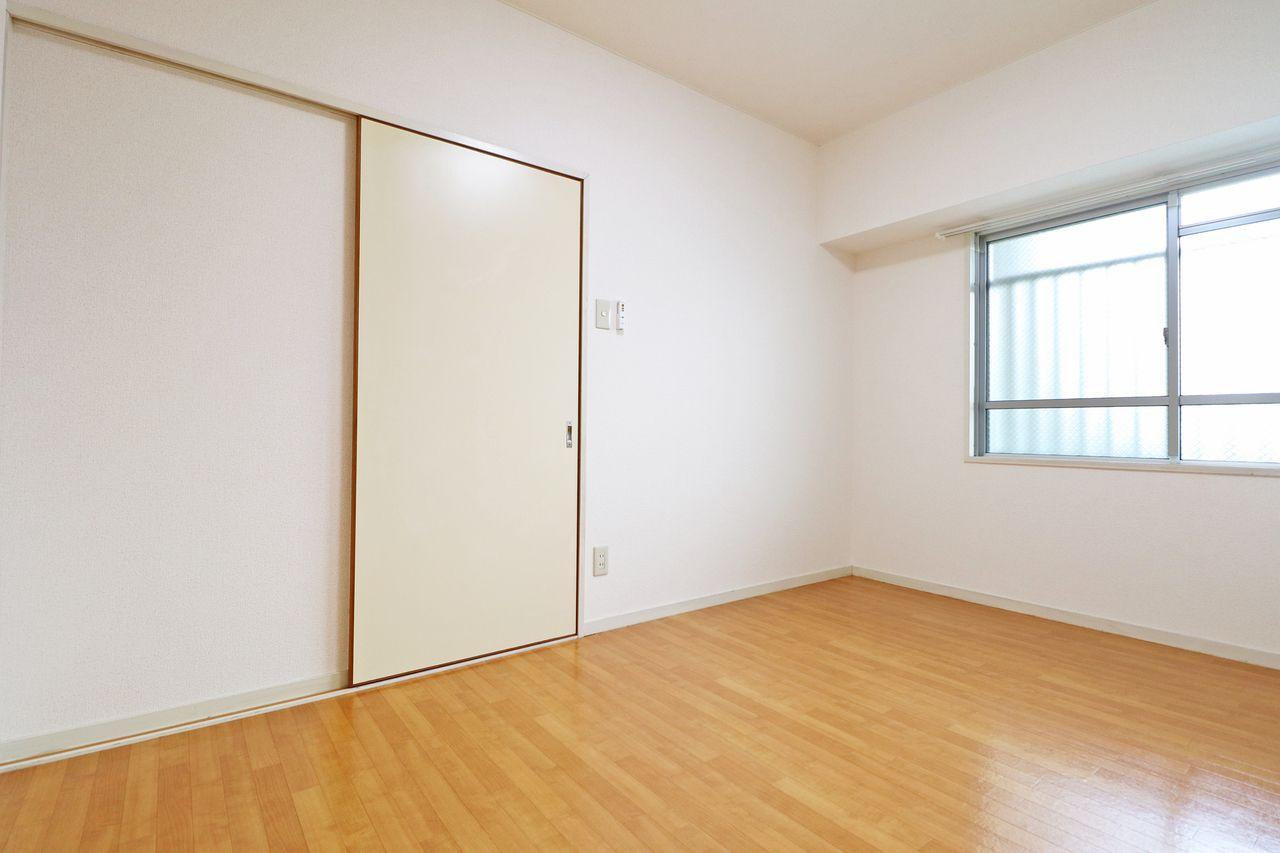 コーポ四万十2号館106号室の北側洋室6畳です。