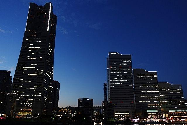 夜の街の写真