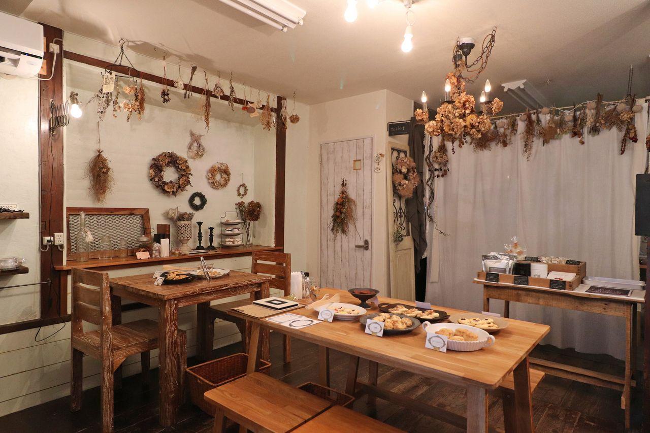 【Antiquey bake&gallery(アンティーキー)】DIY女子、野村さん~癒やしのカフェオープン