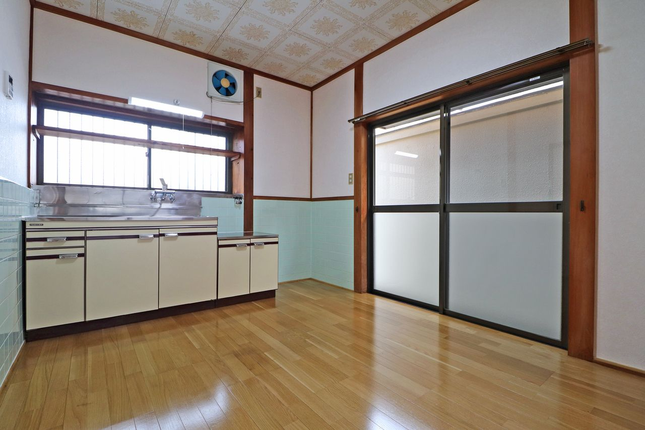 四万十市具同田黒2丁目のメゾネットアパート「黒田アパート」です。